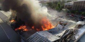 İstanbul'da korkutan fabrika yangını!