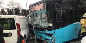 İstanbul Beyazıt'ta halk otobüsü yayalara çarptı: Çok sayıda yaralı