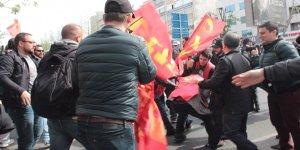 Taksim'e Çıkamak İsteyen Guruba Müdahale:20 Gözaltı
