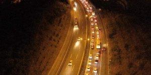 Kocaeli'de dönüş yoğunluğu: trafik durma noktasına geldi