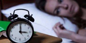 Gece geç uyuyanlar 'vücut saatini 3 haftada eğitip daha sağlıklı olabilir'