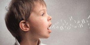 Çocuğunuz söylenenleri tekrarlıyorsa dikkat!