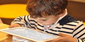Teknoloji Bağımlılığı Komisyon'undan uyarı: Dijital bakıcılığa son verilsin