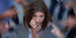 Panik atak nasıl anlaşılır? Bu belirtilerden 4'ü varsa panik atak olabilirsiniz.