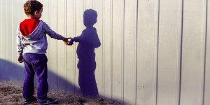 Çocukların neden hayali arkadaşları var? Çocuklarda hayali arkadaş psikolojik bir sorun mu?