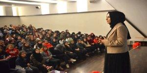 Bursa'da öğrencilere 'duygu yönetimi' semineri