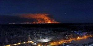 Çernobil'deki yangın nükleer atıkların depolandığı bölgeye yaklaştı