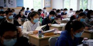 Çin'de öğrencilere ateş ölçen bileklik dağıtılıyor: Ateşi çıkanlar polise bildirilecek