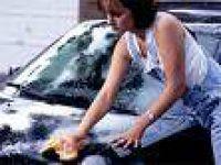Zihinsel Engelli Çocuklara Araba Yıkama Terapisi