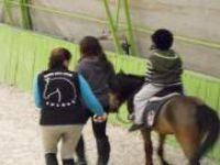 Otistik çocuklara atlı rehabilitasyon
