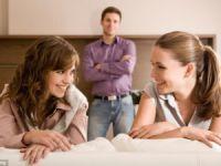 Erkekler Daha Duygusal Kadınlar Daha Konuşkan