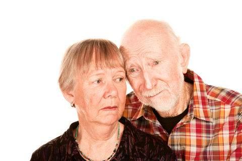 9. Kişilik değişiklikleri Demans hastası şüphecidir, yersiz öfkelenmeleri olabilir.